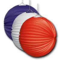 3 Lampions in rot, blau und weiß für die mehrfarbige...