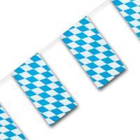 1 Fahnenkette Bayern für die passende Oktoberfest Deko.