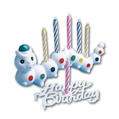 Weißes Kerzenhalter Würmchen mit bunten Punkten und ein Happy Birthday Motiv Kerzenhalter, sowie 7 farbige Geburtstagskerzen.