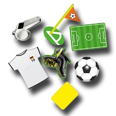 24 Riesenkonfetti mit Fußball Motiven.