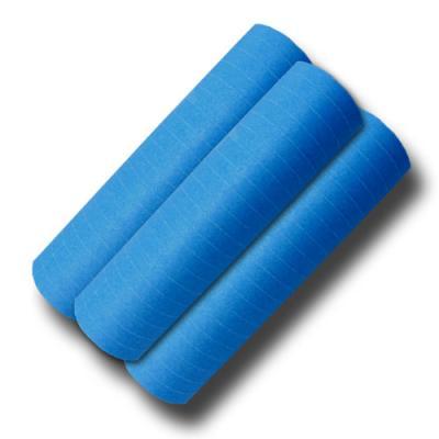 Luftschlangen blau aus schwer entflammbarem Papier.