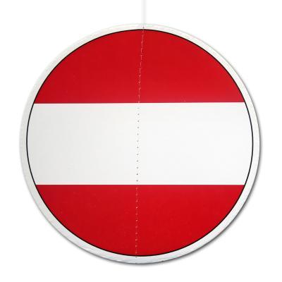 Runder Dekohänger aus Karton mit Österreich Flagge Motiv. (13,5 cm Durchmesser)