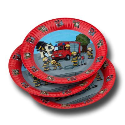 8 Kindergeburtstag Pappteller mit Feuerwehr Motiv.