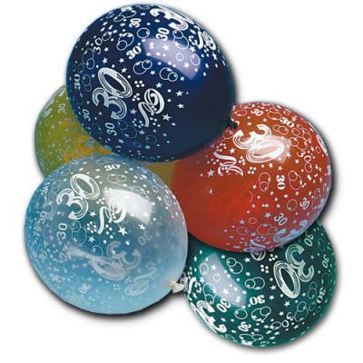 Luftballons in verschiedenen Farben und mit Zahl 30 Motiven für die Geburtstagsdeko zum Jubiläum.