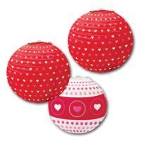 3 Lampions mit diversen Herzmustern in den Farben rot,...