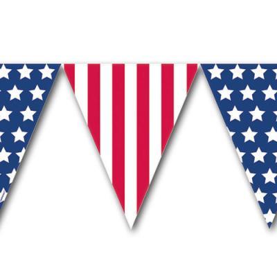 Kunststoff Wimpelkette USA mit rot-weiß gestreiften Wimpeln und blauen Wimpeln mit weißen Sternen.