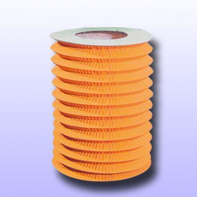 1 Zuglaterne orange aus schwer entflammbarem Papier, Karton und Draht.