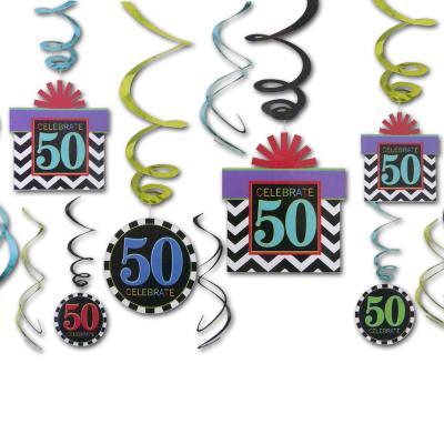 12 Dekospiralen bunt mit Zahlen 50 und CELEBRATE Aufdruck für die 50er Geburtstagsdeko.