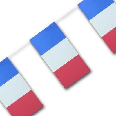 Partydeko Fahnenkette mit Frankreich Flaggen aus Papier.