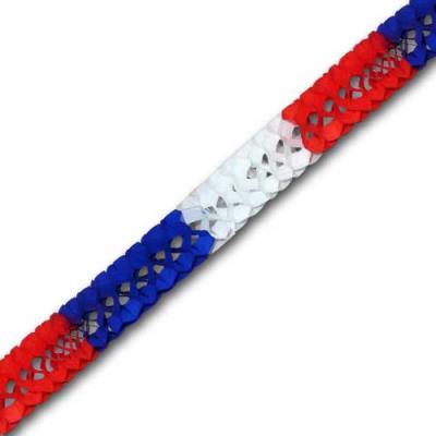 Minigirlande blau-weiß-rot mit 2 Meter Länge und 8 cm Durchmesser.